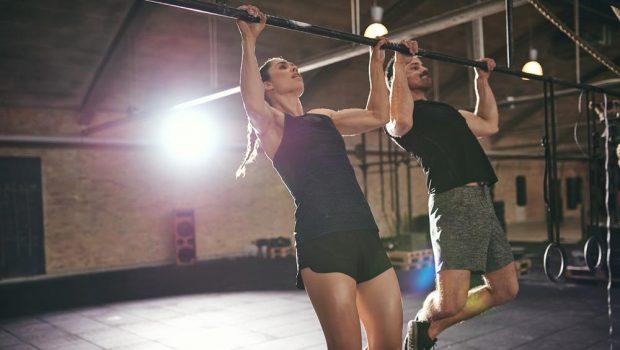 Travaillez vos tractions avec ces exercices sans équipement !