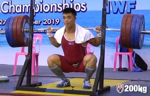 3 X 200 kg puis 3 X 220 kg au back squat !