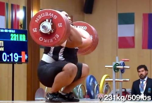 231 kg en clean and jerk pour David Liti, 23 ans