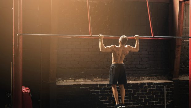 7 exercices pour progresser en pull-ups (tractions) !