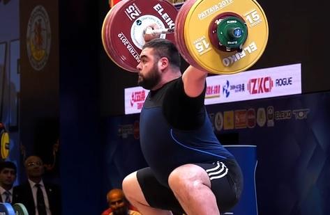 212 kg au snatch pour Gor Minasyan !