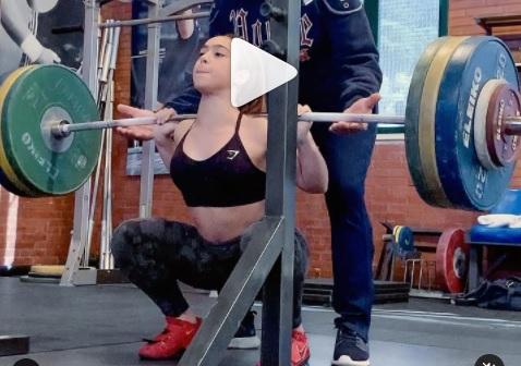 120 kg en back squat pour Celine Ludovica Delia, 15 ans et 45 kg de poids de corps !