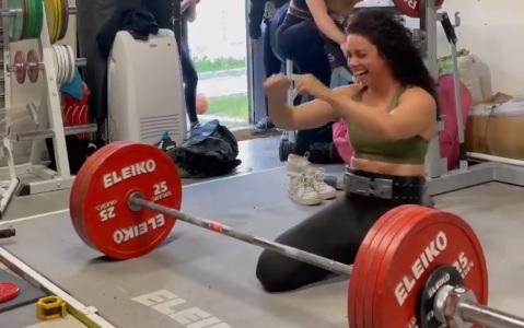 230 kg en deadlift et nouveau PR pour Prescillia Bavoil !